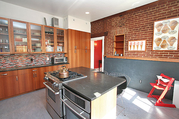 Ordinaire This Kitchen Was Gutted And Put Back Together With Completely Sustainable  Materials And Construction Practices. The Cabinets Are Made Of Lyptus Wood,  ...